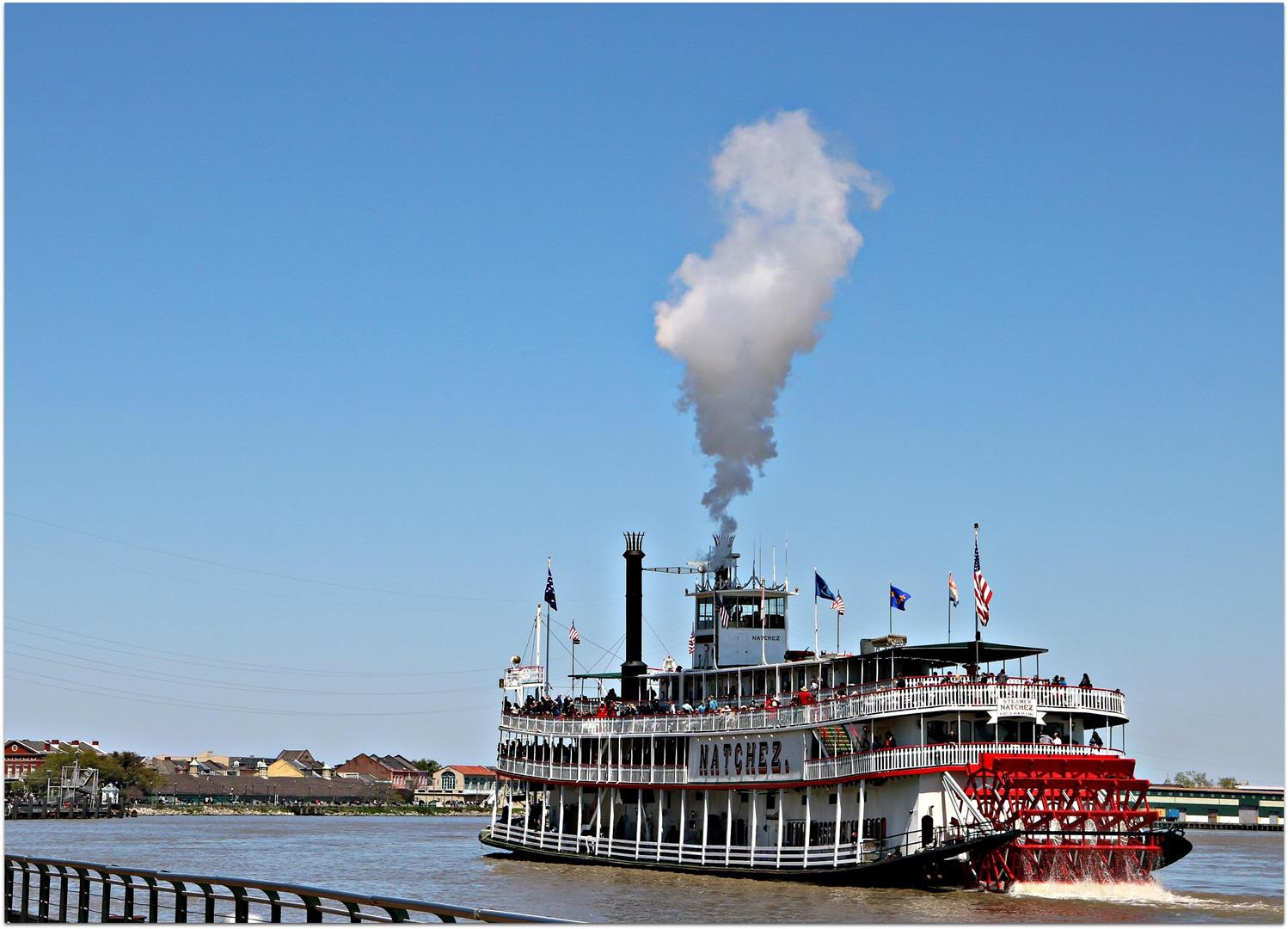RiverBoatNatchezonMississippi.jpg
